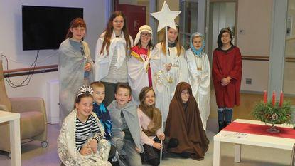 Leerlingen bezoeken rusthuis voor Driekoningen