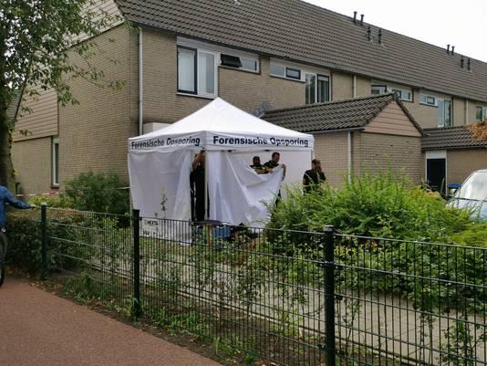 Onderzoek aan de Van Ostadestraat nadat er een ripdeal in de woning heeft plaatsgevonden.