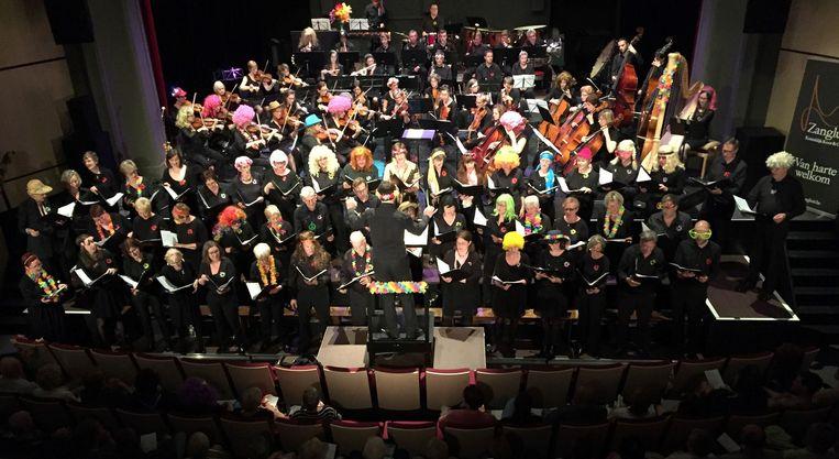 Koninklijk koor en orkest Zanglust in actie bij een eerder concert.