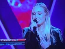 Daphne van Ditshuizen (20) uit Havelte scoort vier stoelen bij The Voice