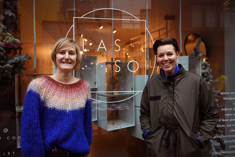 Sofie Demaret en Sanne Trekker, met speciale collectie Tinted voor vijf jaar lasso.