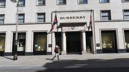 Ook Burberry ontwerpt mondmaskers en kleding voor ziekenhuizen