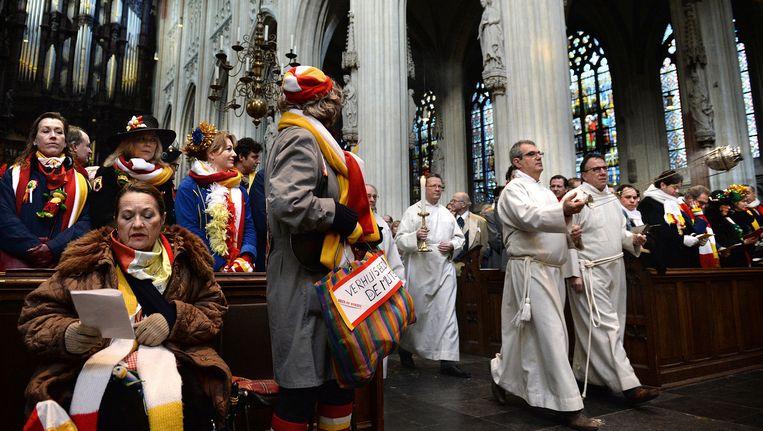 Eén Keer Per Jaar Geeft De Kerk Zich Over Aan Frivoliteit