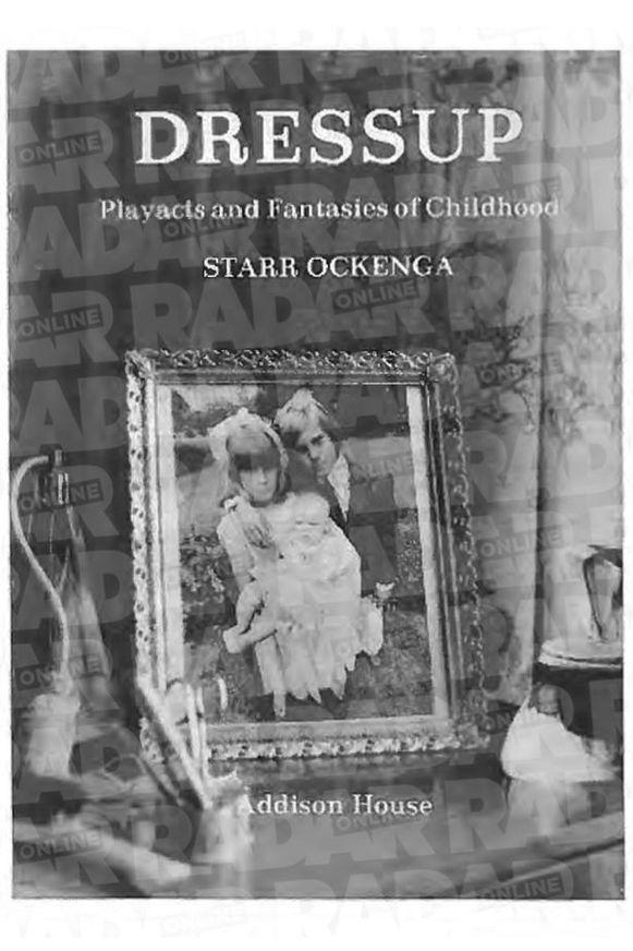 In de collectie zat onder meer een boek over kinderen die zich verkleden.