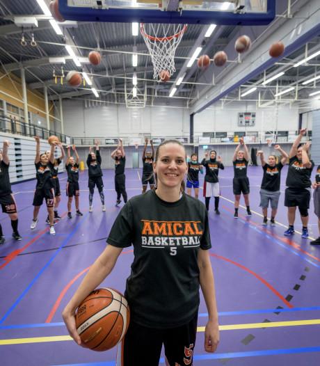 Basketbalsters van Amical uit Enschede gaan voor de middenmoot