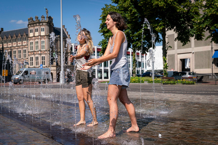 Tourists in the city of Arnhem.