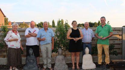 Winnaars open tuin- en vijverwedstrijd krijgen Boeddhabeeld