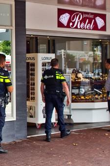 Drie man opgepakt na gewapende overval op juwelier