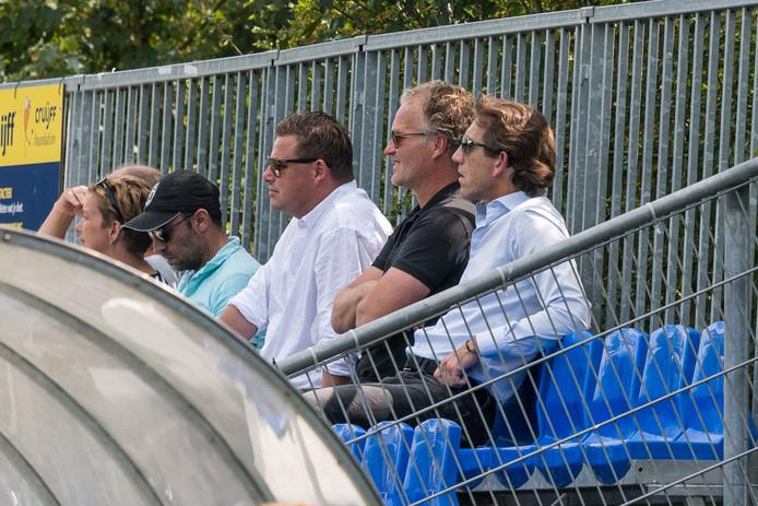 Ondanks een volle ziekenboeg zien technisch manager Mike Willems en trainer John Stegeman het als noodzakelijk om door te selecteren bij PEC Zwolle.