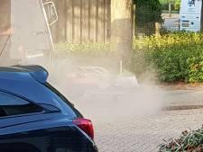 Onkruid vegen in Woudrichem gestaakt om stofwolken