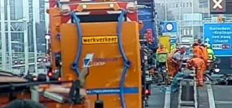 A16 dicht richting Rotterdam door ongeluk vrachtwagen: elf kilometer file