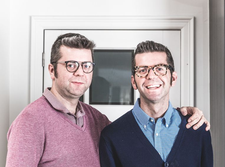 Tweeling Maarten en Thomas Renders. Voor 'Iedereen Beroemd' werken ze hun bucketlist af.