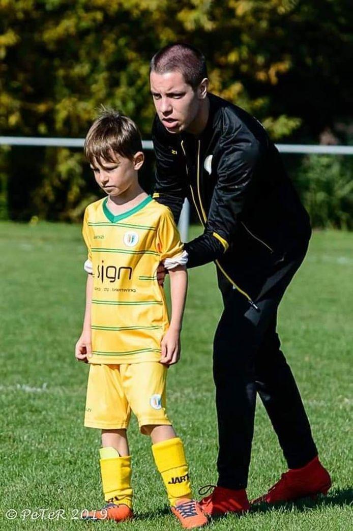 Bjarne als jeugdtrainer, nog voor zijn ongeval.