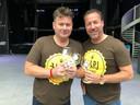 Alwin Houwing (links) en Jean-Paul van Gastel hebben hun eigen bier gebrouwen: HAPJ.