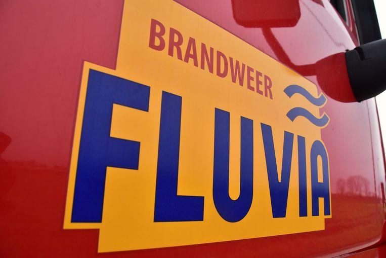 De brandweer van de zone Fluvia snelde ter plaatse om het glas op te ruimen.