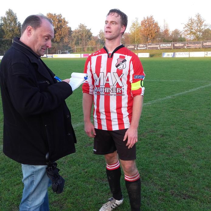 vv Steenwijk-aanvoerder Anne Baas nam de eerste twee doelpunten voor zijn rekening.