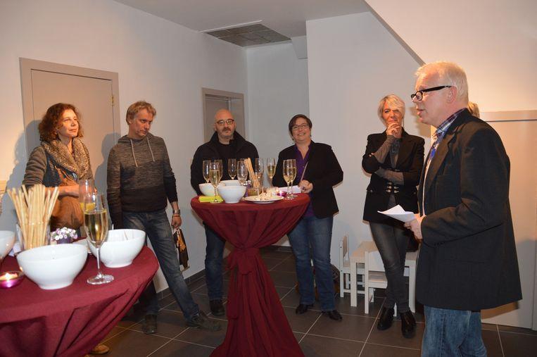 Voormalig OCMW-voorzitter Lieven Vernaillen enkel jaren geleden tijdens de heropening van een gerenoveerde doorgangswoning in Denderleeuw.