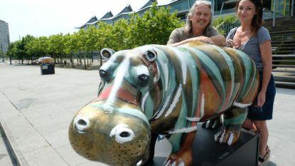 Twintig kunstige nijlpaarden sieren binnenstad