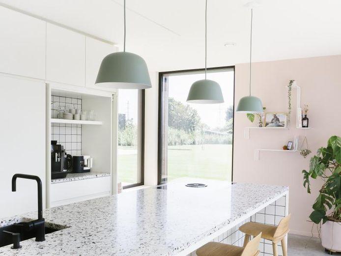 """""""Notre intérieur est surtout moderne et épuré, mais est quand même chaleureux grâce au choix des couleurs et matériaux."""""""
