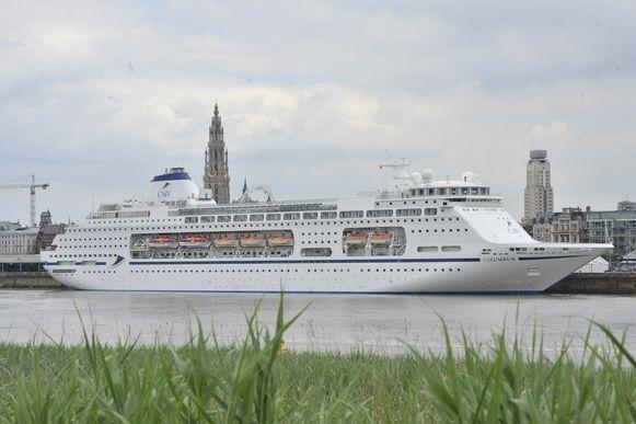 De zeecruises die in Antwerpen aanmeren, wekken steeds meer controverse op.
