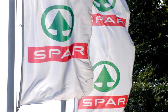De Spar-vlag blijft wapperen in Harfsen. Er is een nieuwe ondernemer gevonden