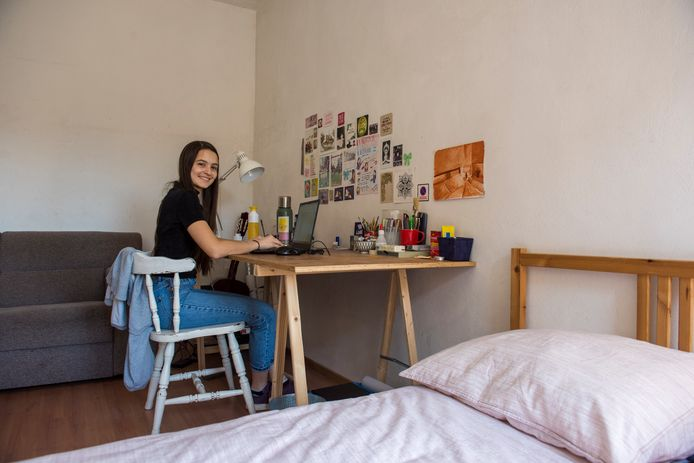 Argentinian TU Eindhoven student Sofìa Ghigliani is 'cooped up' in her room in Eindhoven because of the coronavirus.