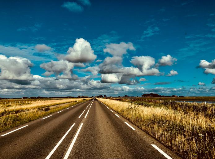 Zeeland: achter de wolken schijnt de zon.