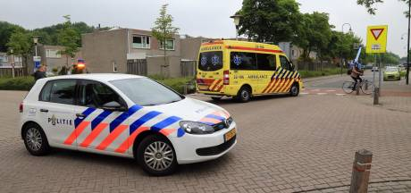 Vrouw op elektrische fiets gewond aan hoofd na aanrijding Helmond