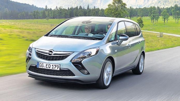 Opel zafira tourer ruimtewonder laat steek vallen auto for Interieur zafira tourer