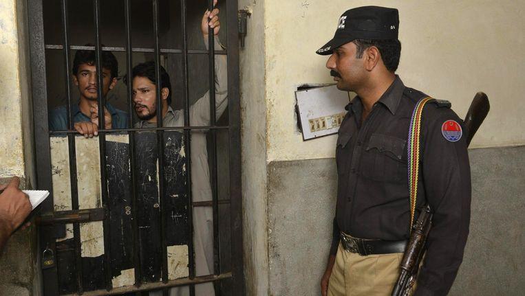 Gearresteerde bendeleden in verband met het misbruikschandaal in Pakistan.
