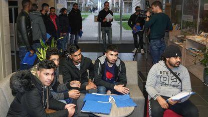 Groot deel vluchtelingen vertrekt woensdag uit Mesen