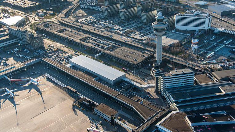 Een luchtfoto van Schiphol. Beeld null