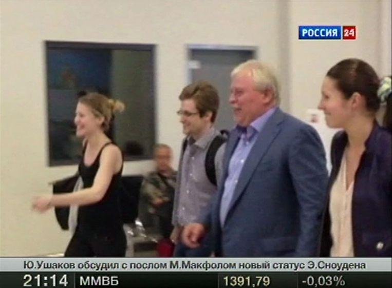 Snowden nadat hij de transitzone van de Moskouse luchthaven Sjeremetjevo verliet. Beeld reuters