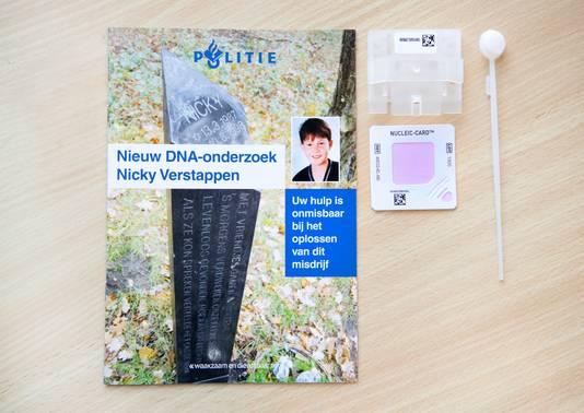 DNA-afnamemateriaal tijdens de persbijeenkomst over het onderzoek naar de dood van Nicky Verstappen.