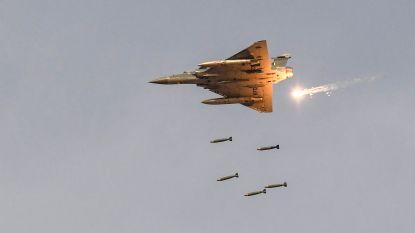 India bombardeert trainingskamp voor islamisten in Kasjmir