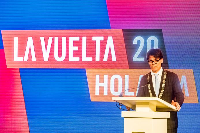 Breda, foto: Joris Knapen | Pix4Profs.   De Bredase burgemeester Paul Depla begin dit jaar in de Grote Kerk waar de Nederlandse etappes van de Vuelta 2020 werden gepresenteerd.    Paul Delpa