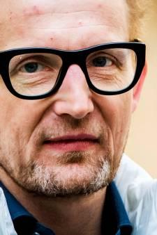 LIVE   'Mogelijk 2 miljoen doden voor coronavaccin er is', prins Bernhard in quarantaine