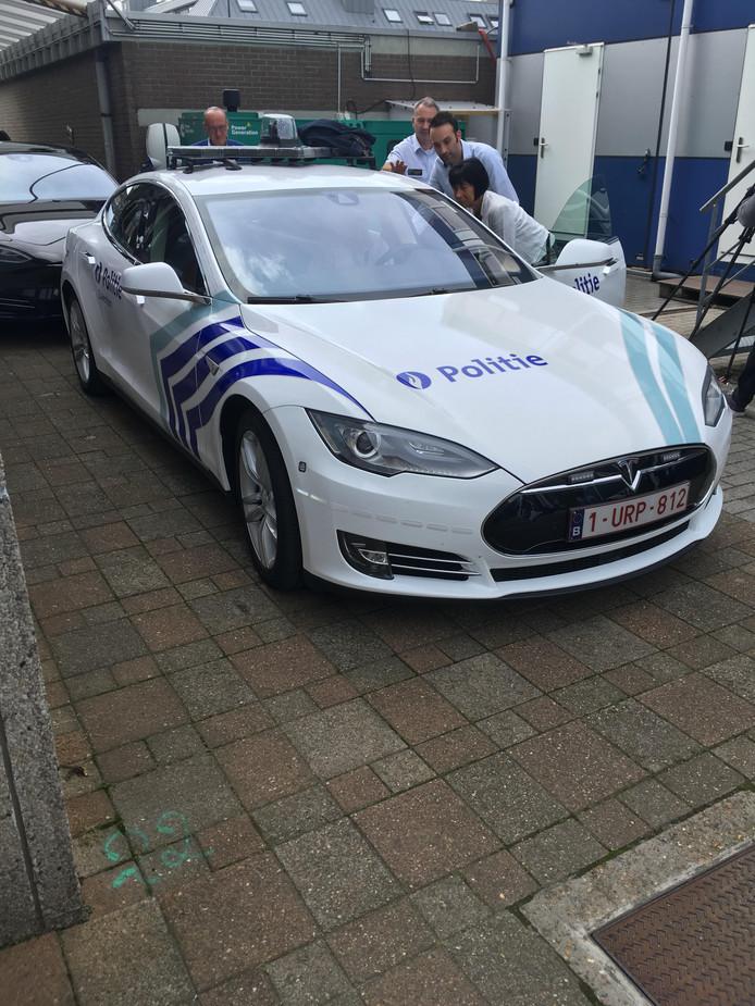 Belgische Politie Stapt In De Tesla Model S Auto Ad Nl