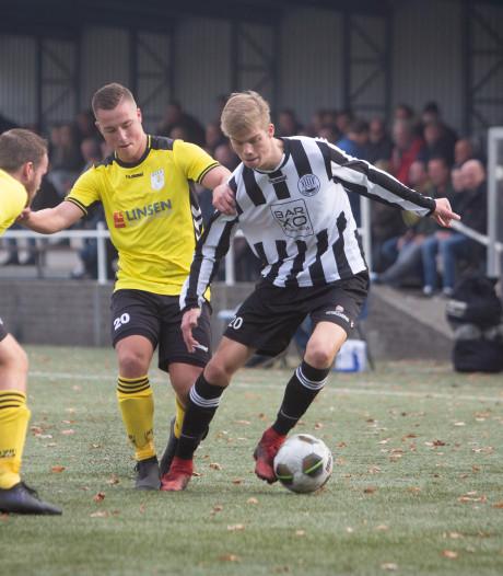 Voetbalclubs Arnhem tot en met Pasen 'volgeboekt'