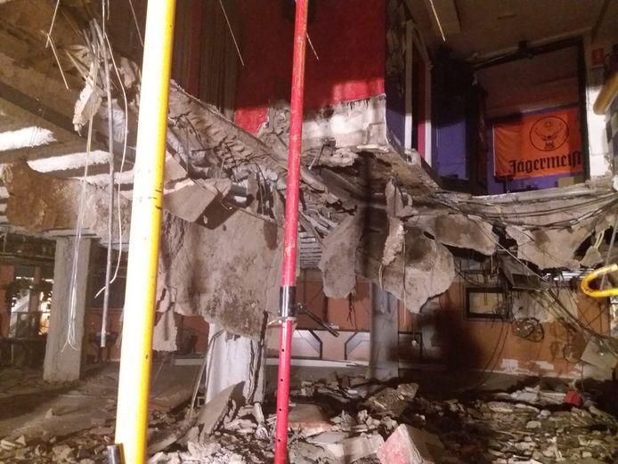 De vloer van de discotheek Butterfly Disco Pub kwam midden in de nacht naar beneden.