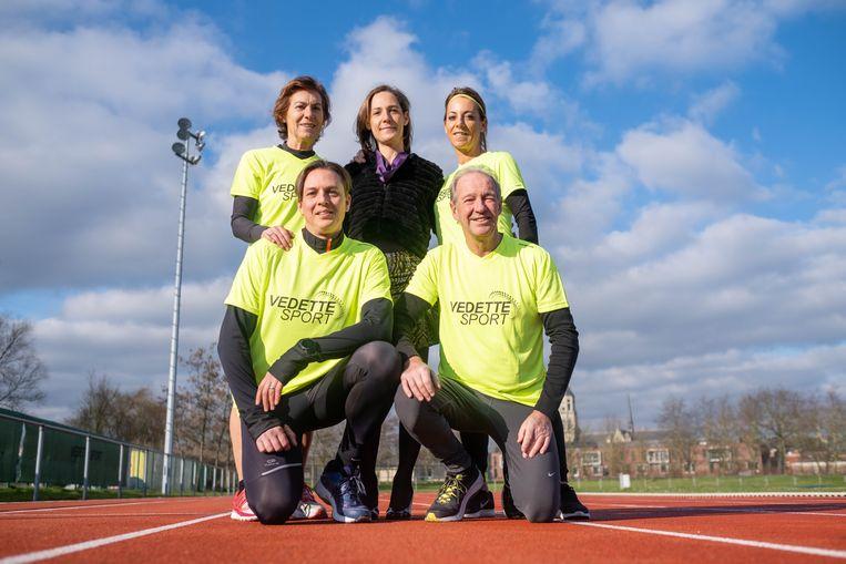 Martine Schroyens, Sophie Peeters, Bart Christiaens en Eddy De Herdt lopen de Honderd Kilometer Run voor Kom op tegen Kanker. Véronique Peeters is supporter nummer één.