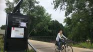 """Display aan nieuwe fietsersbrug raakt maar niet hersteld: """"Complex probleem"""""""