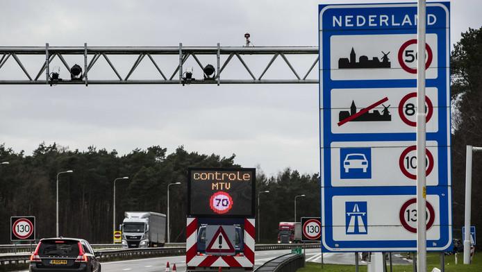 In februari waren er verscherpte controles bij grensovergang de Lutte om mensensmokkel beter te kunnen aanpakken.