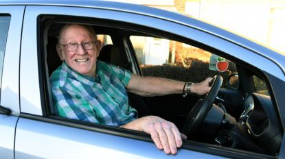 Liefde is... Keith (79) leert eindelijk rijden zodat hij zijn vrouw naar het ziekenhuis kan brengen