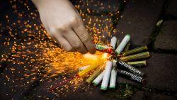 Duitser (47) zet vuurwerk in tegen mollen en raakt zwaargewond