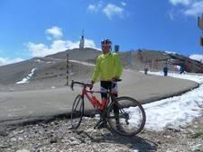Scholieren beklimmen Mont Ventoux in strijd tegen MS