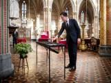 LIVE   Aantal besmettingen in Noord-Nederland blijft laag, Rutte brandt kaarsje voor 'feest van hoop'