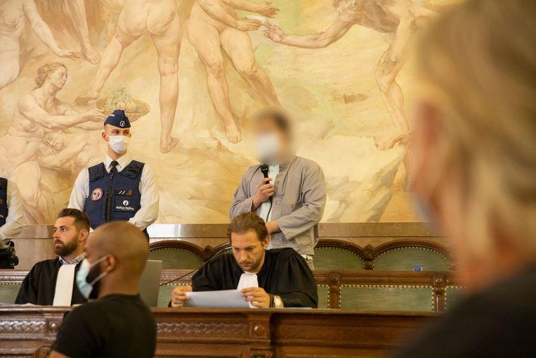 Maikel E. en zijn advocaten Yannick De Vlaemynk en Sokol Vljahen