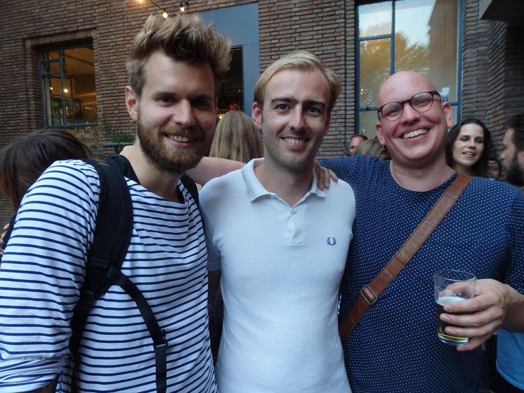 Johan Zandbergen, cameraman van het nieuwe YouTubekanaal met 'advertisement alert', Tobias de Jong van Lab111 en Sven Muts van fietsfabrikant Union Beeld Schuim