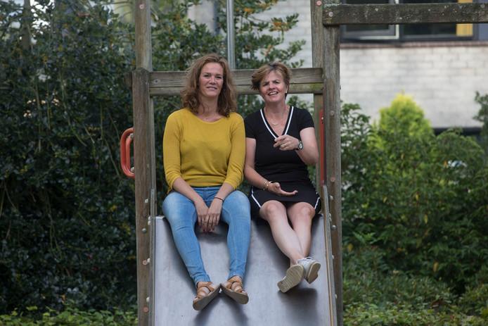 Janine de Haas en Ingeborg Minderhoud organiseren kampen voor kinderen van gescheiden ouders.